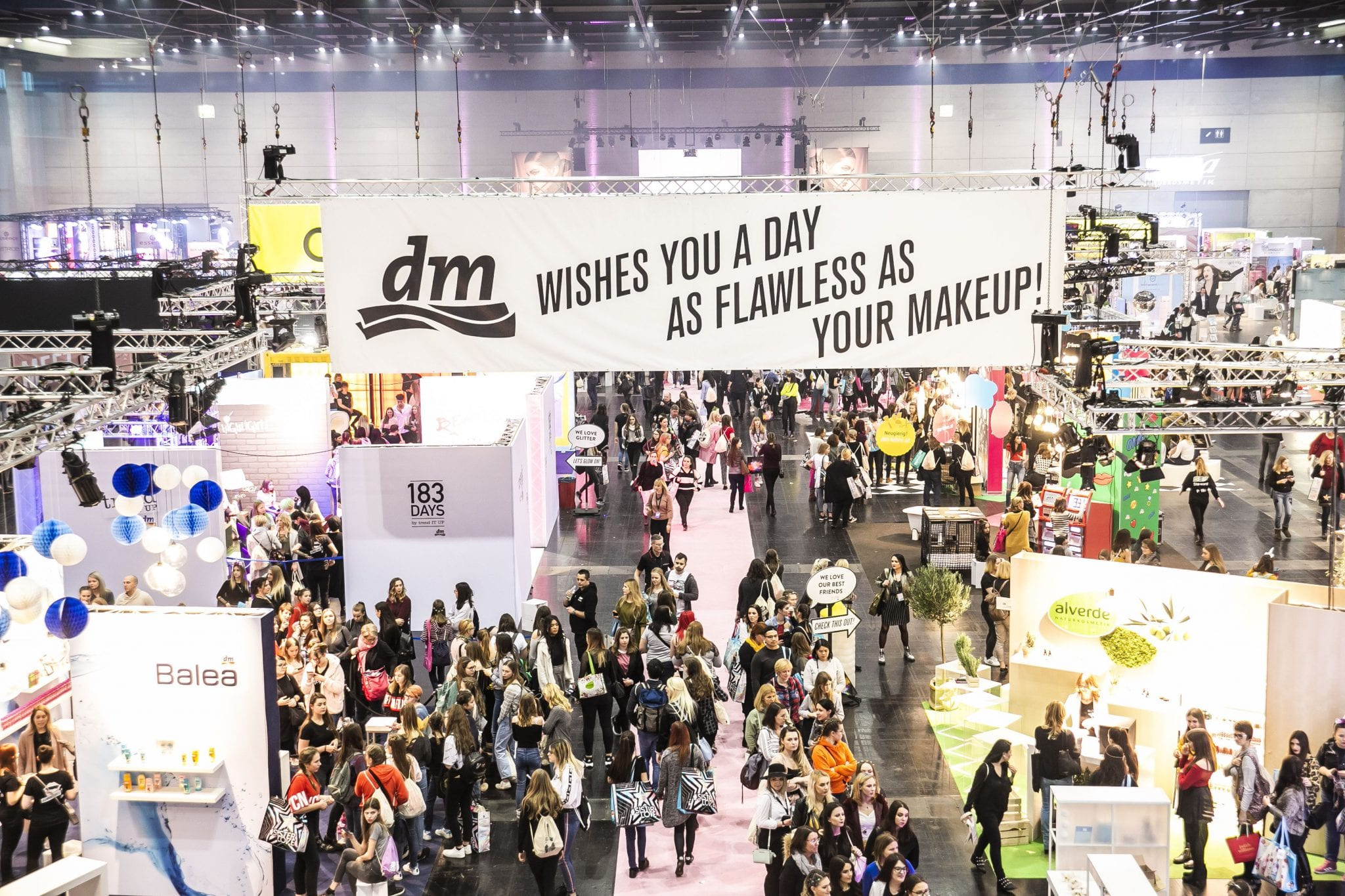 © dm/Shine Convention